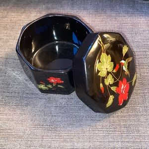 Vtg Japan black ceramic trinket/jewelry box